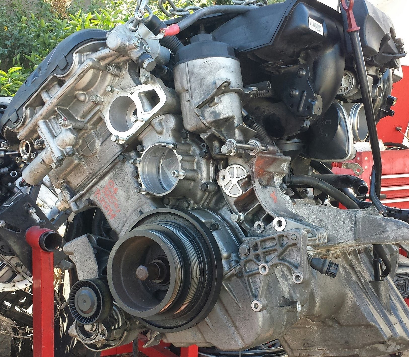 Bmw 528i Engine Diagram Under The Hood A 5 Series 04 Thru 10 M54b30 Sensors And Parts Of