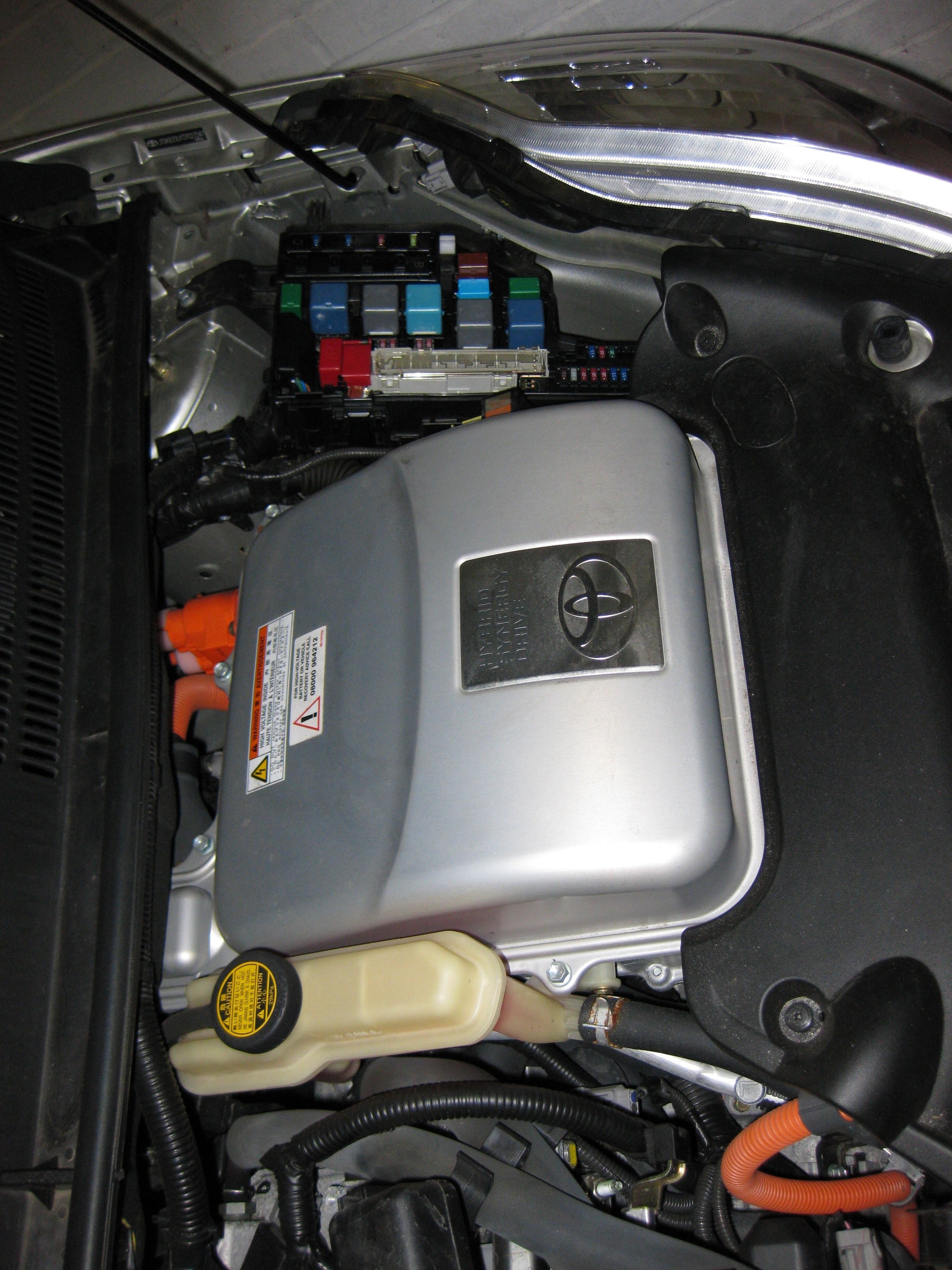 Prius Engine Diagram 2010 2015 Toyota Air Filter File Fusebox Location Wikimedia Mons Of
