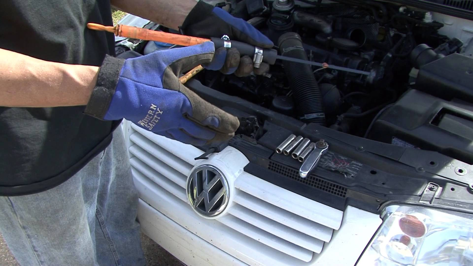 2003 Vw Jetta 2 0 Engine Diagram How to Fix A Volkswagen Oil Dip Stick Part 1 Of 2003 Vw Jetta 2 0 Engine Diagram