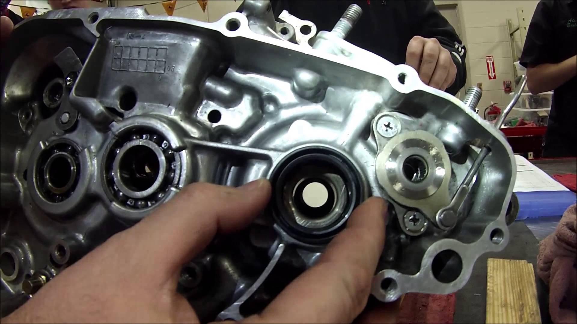 Yamaha 125z Engine Diagram Every Mechanic Series How to Install Crankshaft Transmission Oil Of Yamaha 125z Engine Diagram