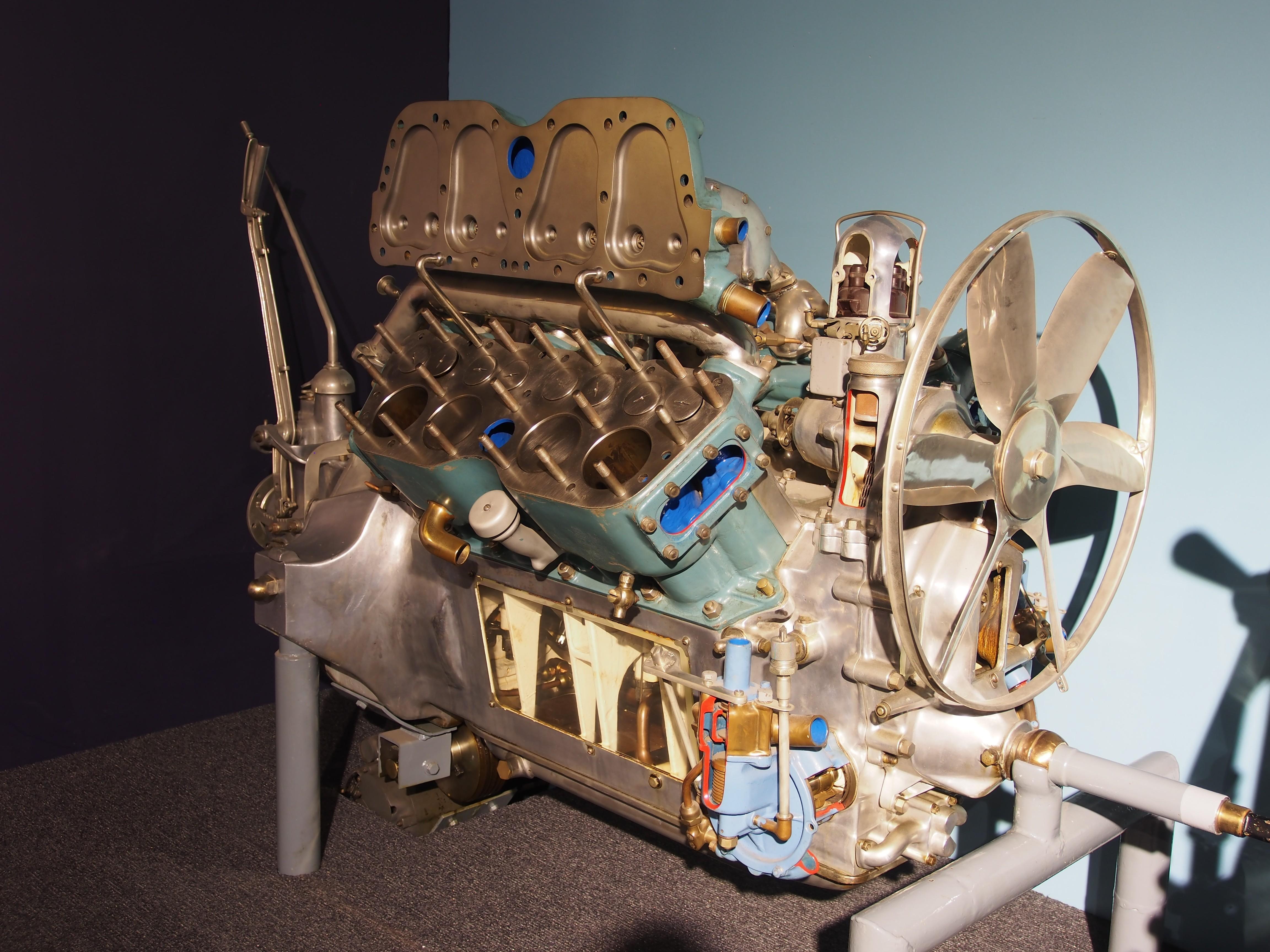 Cadillac V8 engine