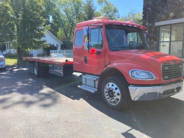 2014 Freightliner M2 106 Dual tech 21 Flatbed 36 Gvw Air Brakes 6 7 Cumm Auto Used