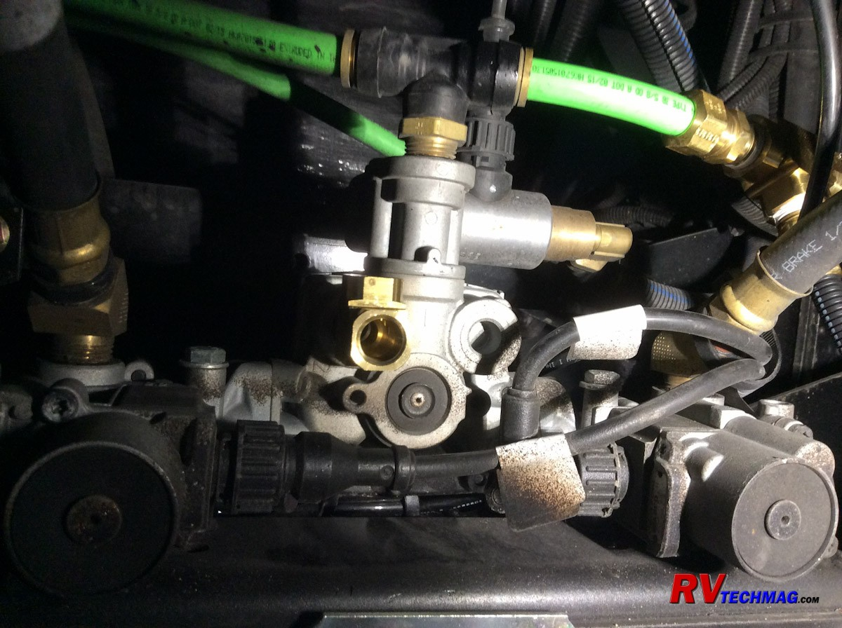 Pictures Of Air Relay Valves On Freightline Chassis Motorhome Spartan tow Brake Installation Of Pictures Of Air Relay Valves On Freightline Chassis Motorhome